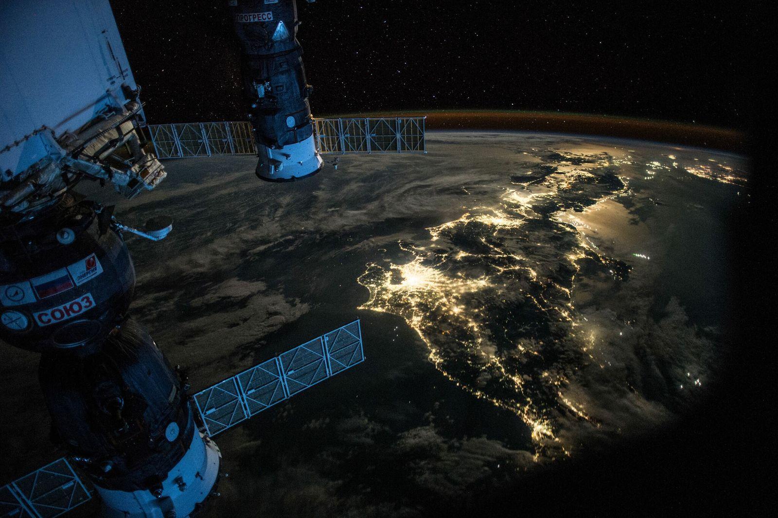 """Quatro meses e alguns dias na Expedição 44 – no seu """"ano no espaço"""" – o ..."""