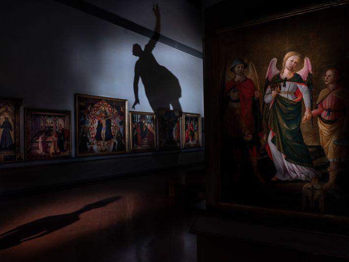 Em Florença, na silenciosa Galleria dell'Accademia, lar de David de Miguel Ângelo, a escultura de Giambologna ...