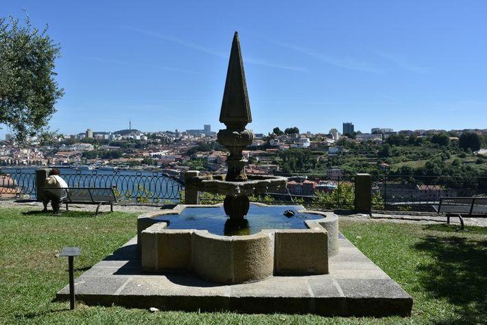Vista dos Jardins do Palácio de Cristal sobre o Rio Douro.