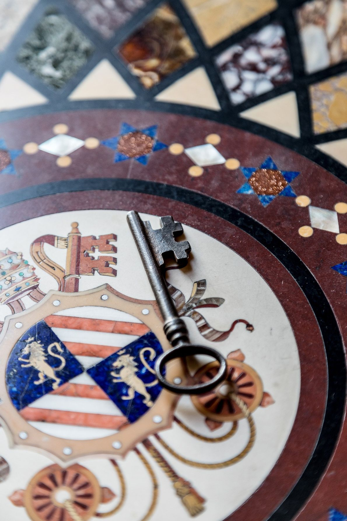 A única chave que não está numerada é a chave da Capela Sistina.