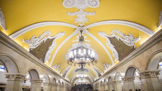 10 Estações do Metro de Moscovo que Surpreendem pela Elegância