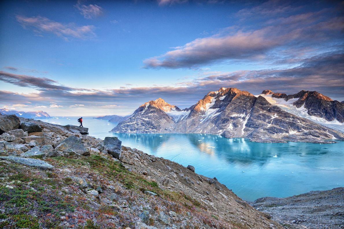 Todos os verões, a Gronelândia atravessa quase três meses de sol interminável. Graças a esse sol ...