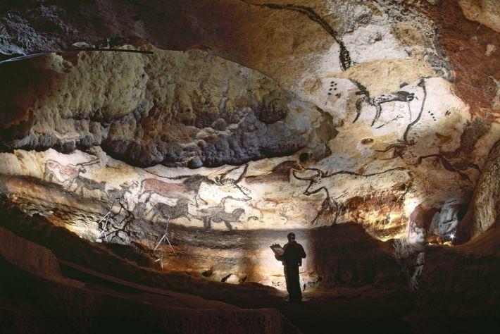 Arte do Paleolítico adorna as paredes da Gruta de Lascaux, no sudoeste de França.