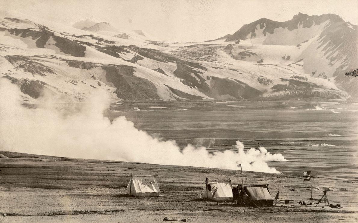 Álbum de Fotografias das Grandes Expedições da National Geographic