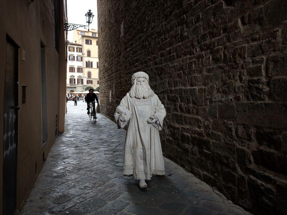Leonardo da Vinci Ainda Passeia Pelas Ruas
