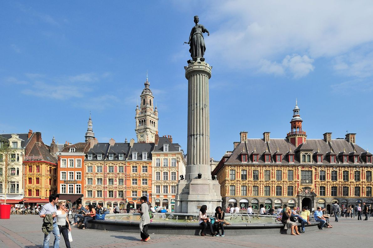 LILLE – Junte-se à população local e explore os diversos mercados da cidade.