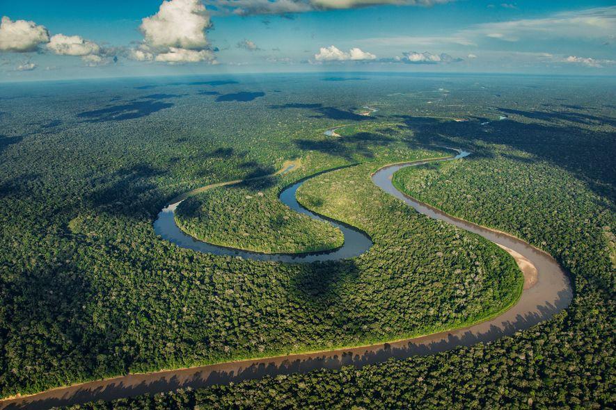 PARQUE NACIONAL DE MANU, PERUÉ difícil apercebermo-nos da imensidão da Amazónia, e só de avião nos ...