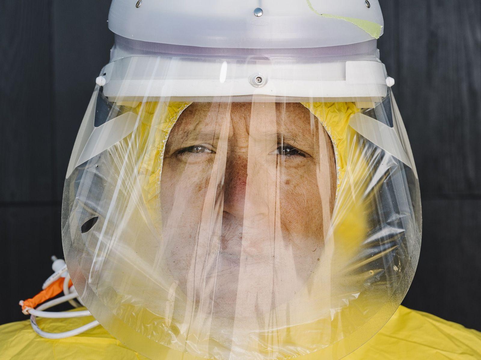 Michael Callahan, especialista em doenças infecciosas, já estava envolvido na luta contra a pandemia de COVID-19 ...