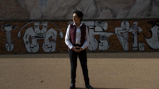 Migrantes Adolescentes Precisam de ir à Escola, Mas São Mundialmente Pressionados Para Não o Fazer