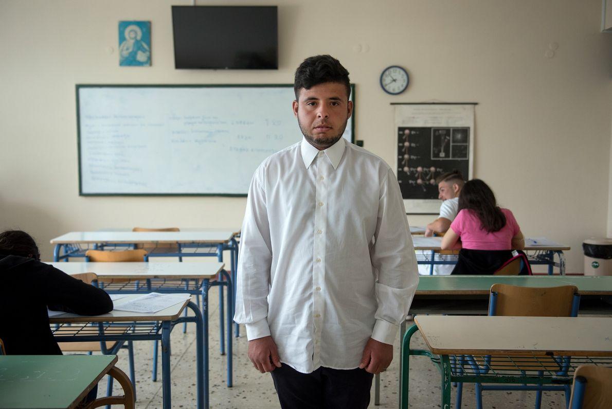 Mohamad Marof, refugiado sírio de 18 anos, frequentou o ensino secundário na pequena cidade de Ano ...