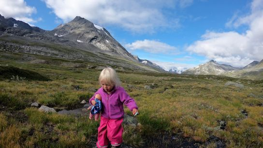 O conceito de friluftsliv, ou vida ao ar livre, incentiva aventuras na natureza para todas as ...