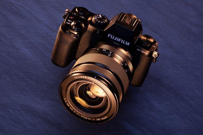 Melhor para: Baixos orçamentos. Pelo seu preço, a Fujifilm X-S10 é a melhor câmara de viagem ...