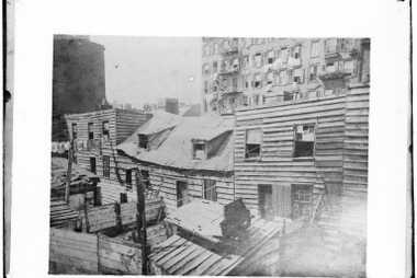 Fotografia antiga tirada para o Conselho de Saúde em 1872