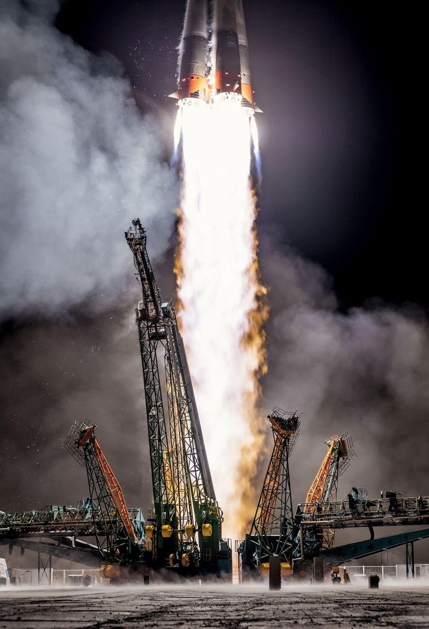 Em março, recorrendo a tecnologia antiga, mas que ainda funciona, a Rússia lançou um foguete Soyuz ...