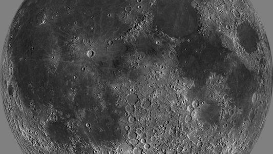 Água na Superfície da Lua Pode Ser Mais Abundante do que se Pensava