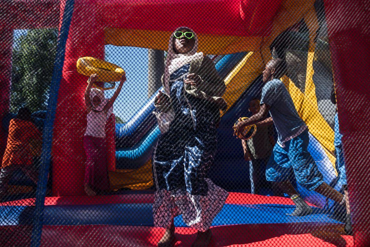 As crianças de South Los Angeles celebram o Eid al-Fitr, o feriado que marca o ...