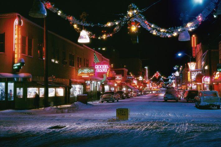 Second Avenue, a principal rua comercial de Fairbanks