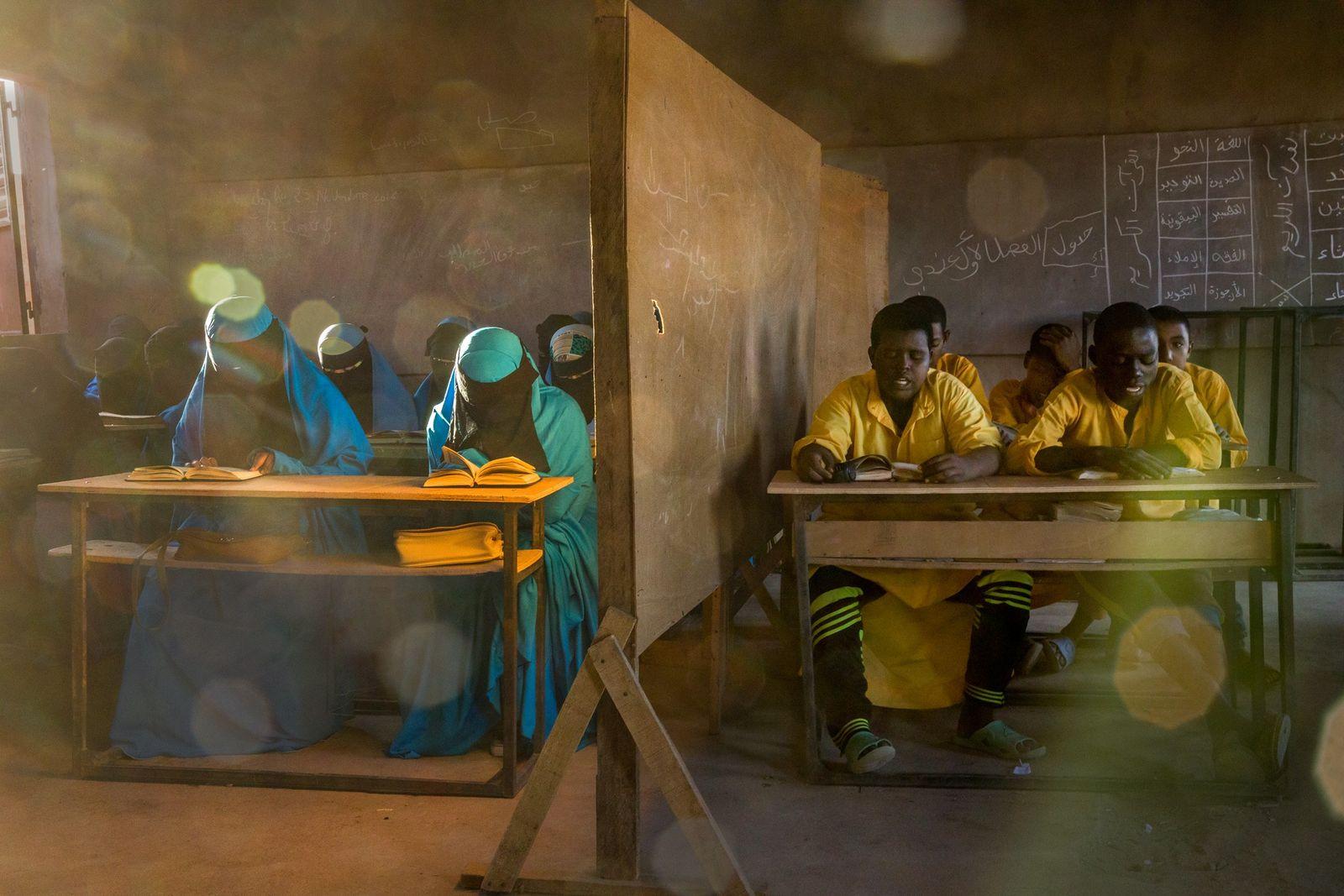 Em Agadez, no Níger, uma escola Izala educa cerca de 1300 alunos. Izala refere-se a um ...