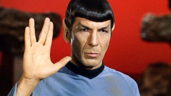 O ator Leonard Nimoy criou a saudação Vulcan na série de televisão Star Trek, na década ...