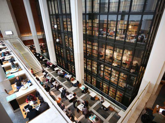 Descubra o Encanto das Bibliotecas Europeias