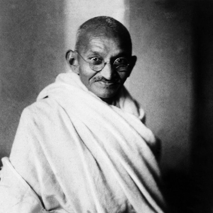 Mahatma – que em sânscrito significa grande alma ou santo – Gandhi ajudou a Índia a ...