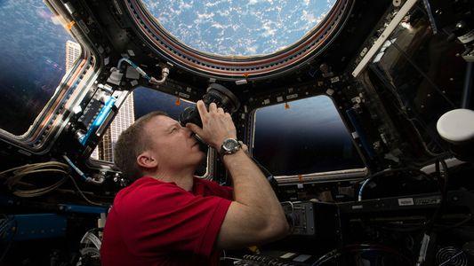Astronauta da NASA Atinge Recorde de Maior Número de Fotografias Tiradas