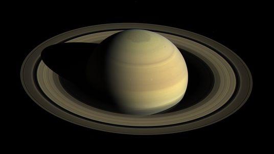 À procura dos anéis que poderão destronar Saturno