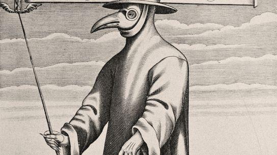 No século XVII, para tentar combater a peste, os médicos usavam máscaras com um bico, luvas ...