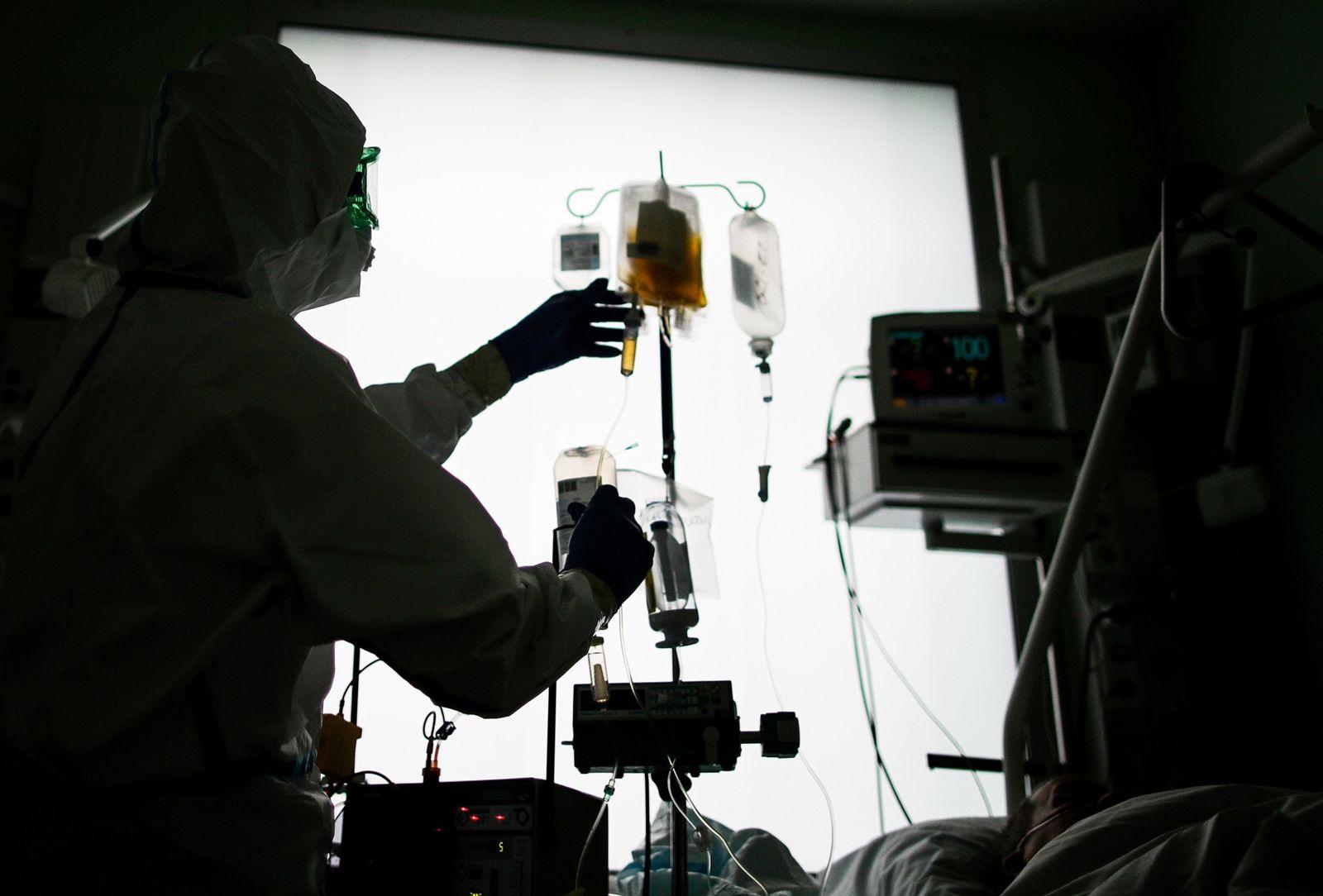 O plasma convalescente é usado há mais de um século para combater doenças infecciosas, mas será ...