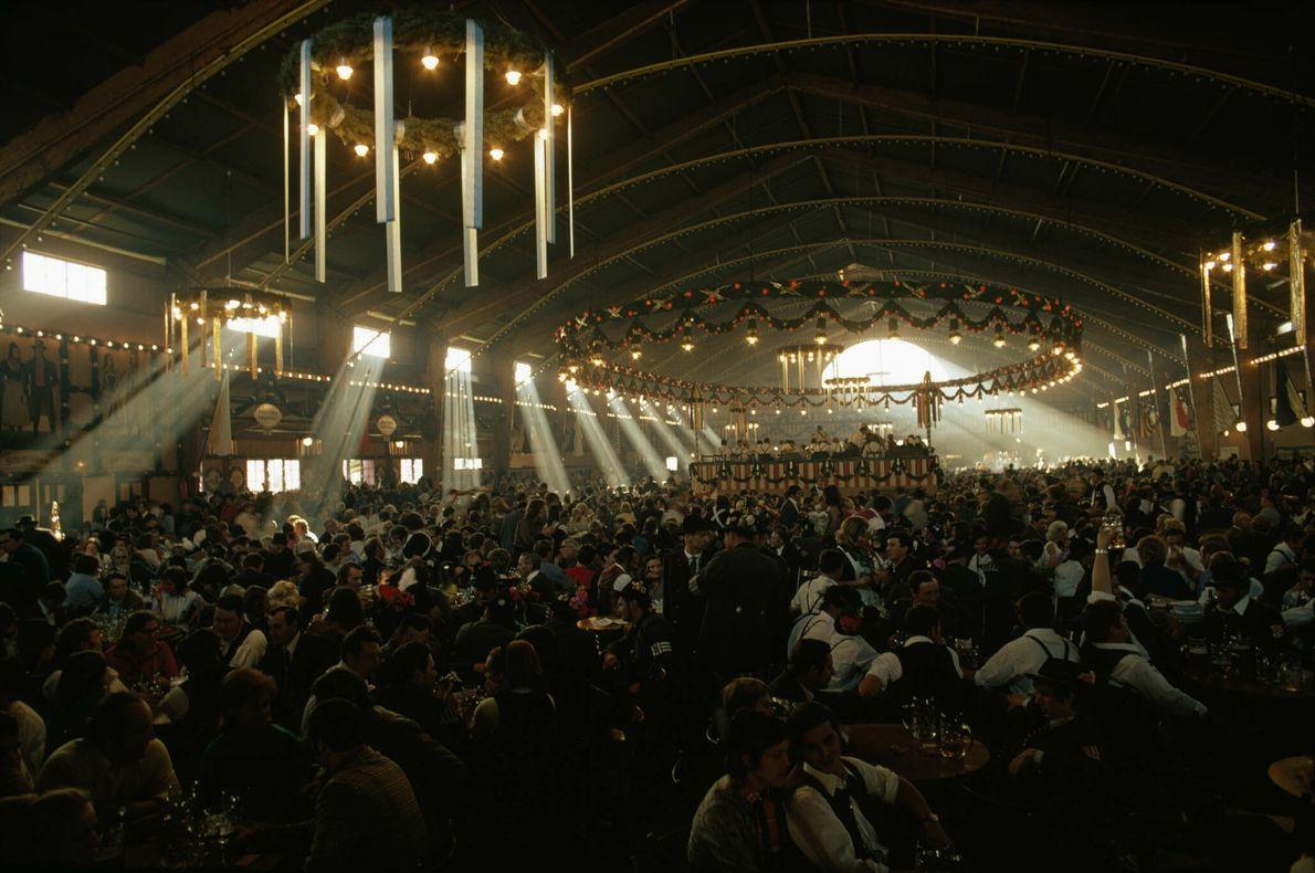 Multidões do Oktoberfest