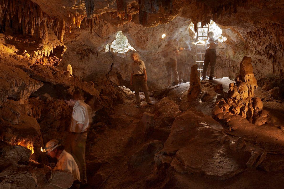 Explorações nas Cavernas