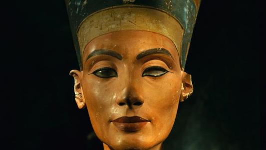 """Deveriam as Mulheres Governar o Mundo? As Rainhas do Antigo Egito Respondem """"Sim""""."""