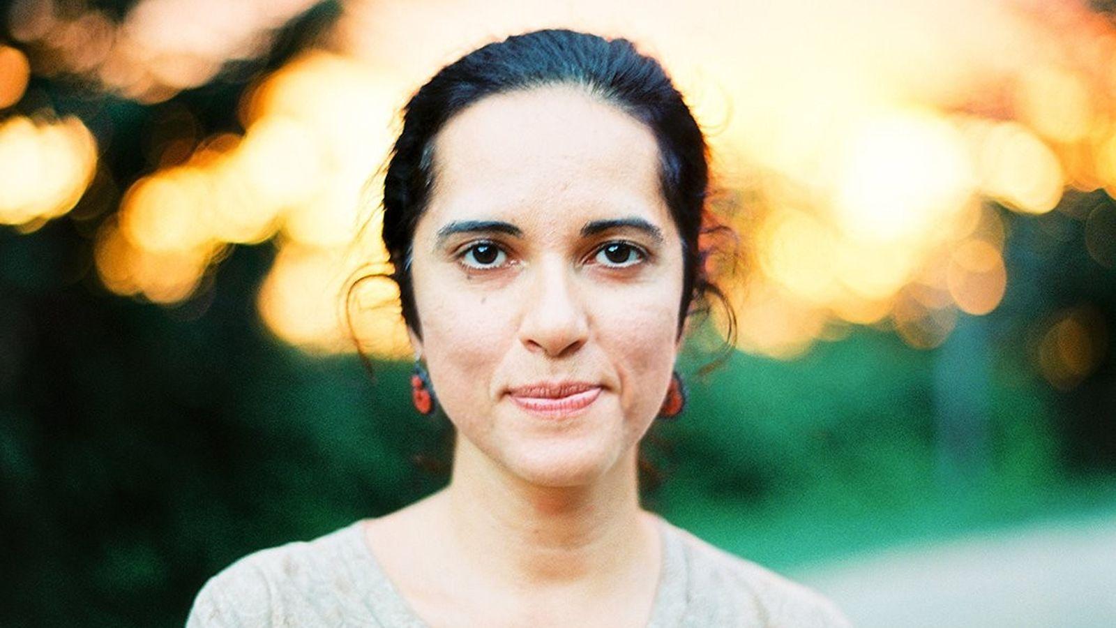 Nascida ecriada em Baku, no Azerbaijão, Rena Effendi é uma fotógrafa premiada da National Geographic.
