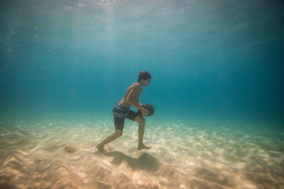 treino de surf na Baía de Waimea