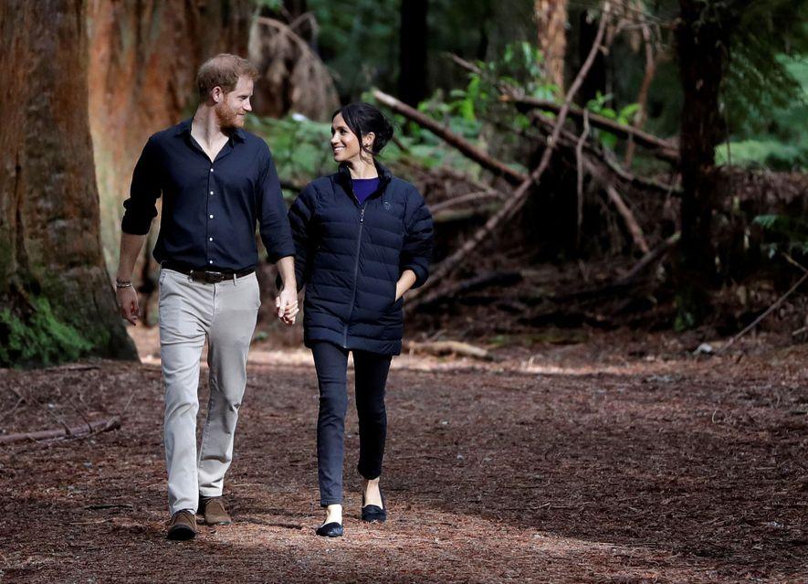 O príncipe Harry e Meghan anunciaram que vão renunciar os seus deveres reais e dividir o ...