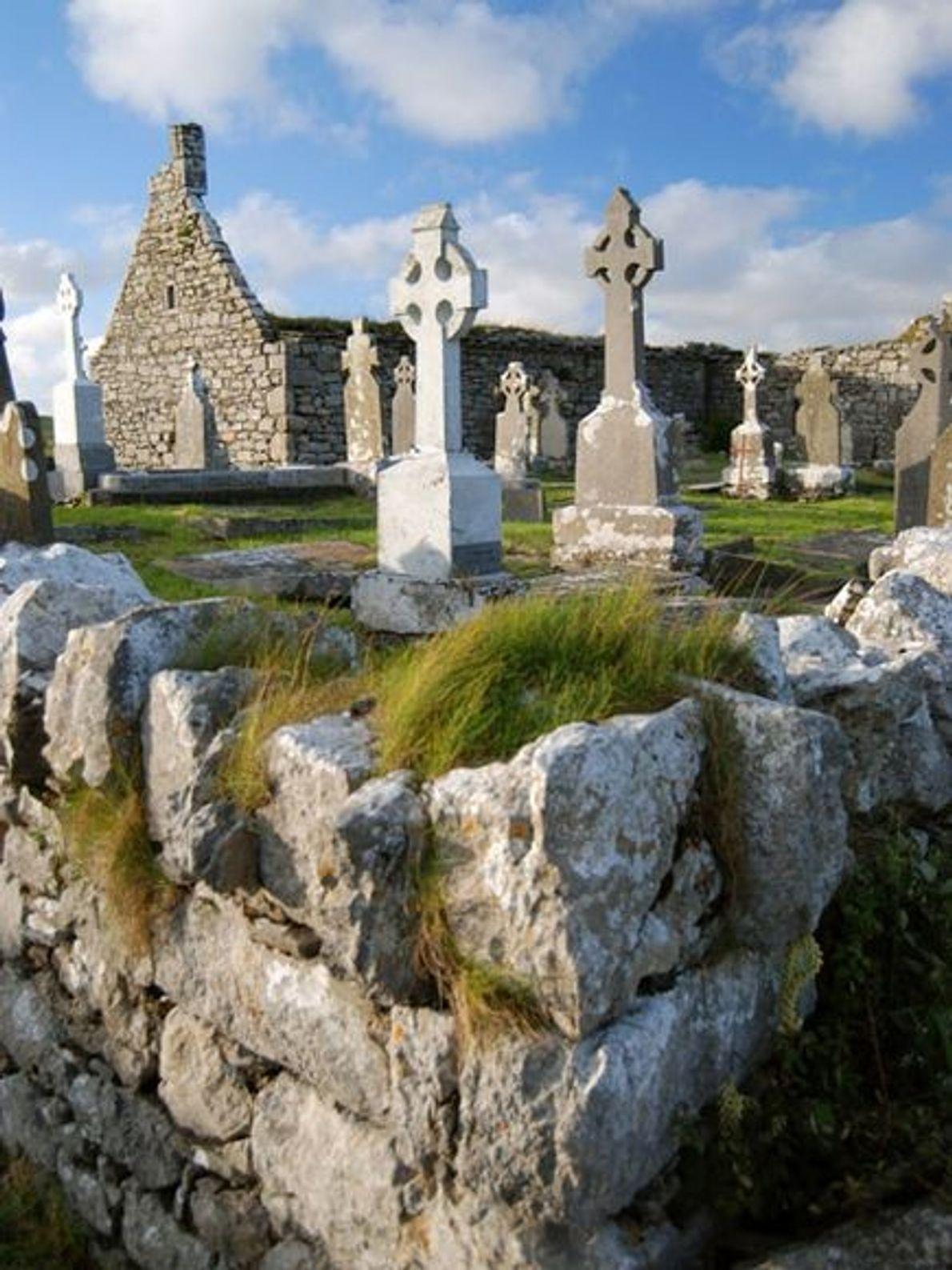 Igreja e Cemitério de Doolin