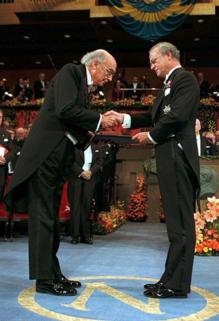 Fotografia de José Saramago, quando venceu o Prémio Nobel da Literatura em 1998