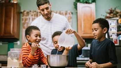 Truques STEM Para Ensinar aos Cozinheiros Mais Pequenos