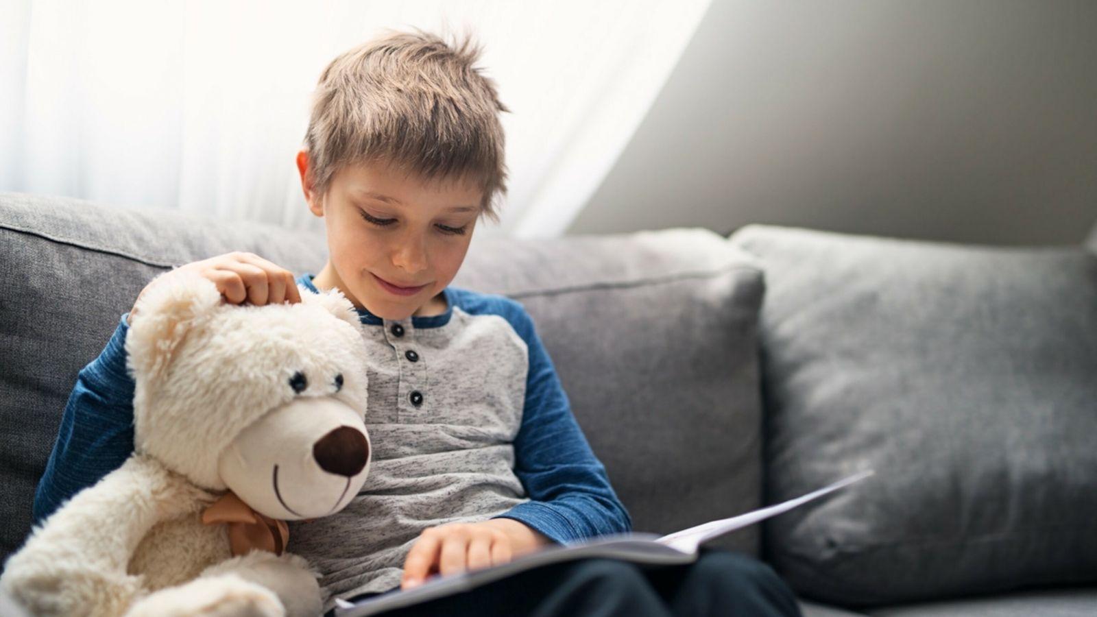 Descubra dicas para fazer com que os seus filhos ou netos retomem a leitura.