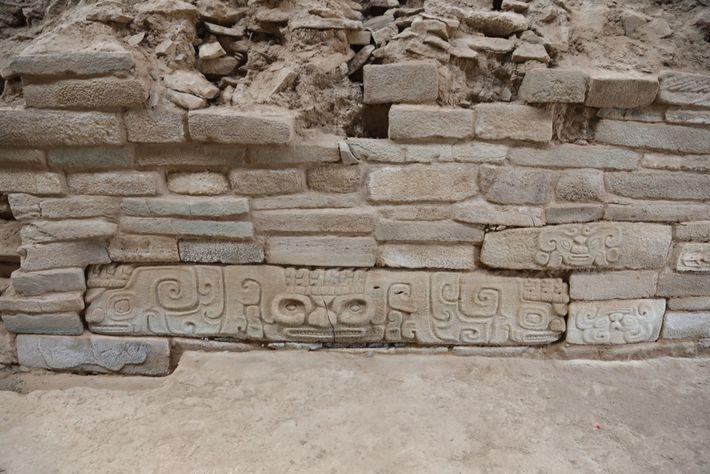 Shimao é a maior povoação conhecida da Idade da Pedra na China, e só uma pequena ...