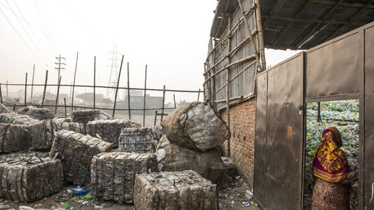 Agora Expedir Lixo Plástico Para Países Pobres É Mais Difícil