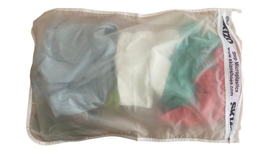 Startup portuguesa cria saco que recolhe microplásticos durante a lavagem