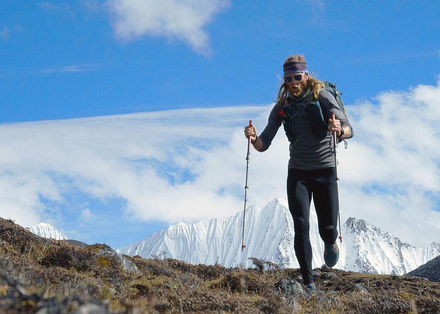 Timothy Olson percorre um caminho a mais de 4800 metros de altitude, no 11º dia da ...
