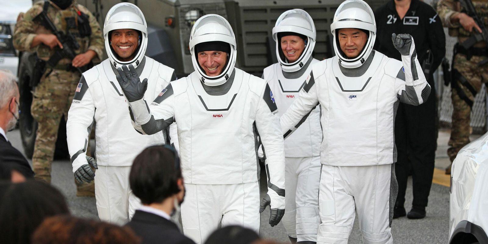 Lançamento da SpaceX Assinala Arranque de Voos Comerciais Regulares em Órbita