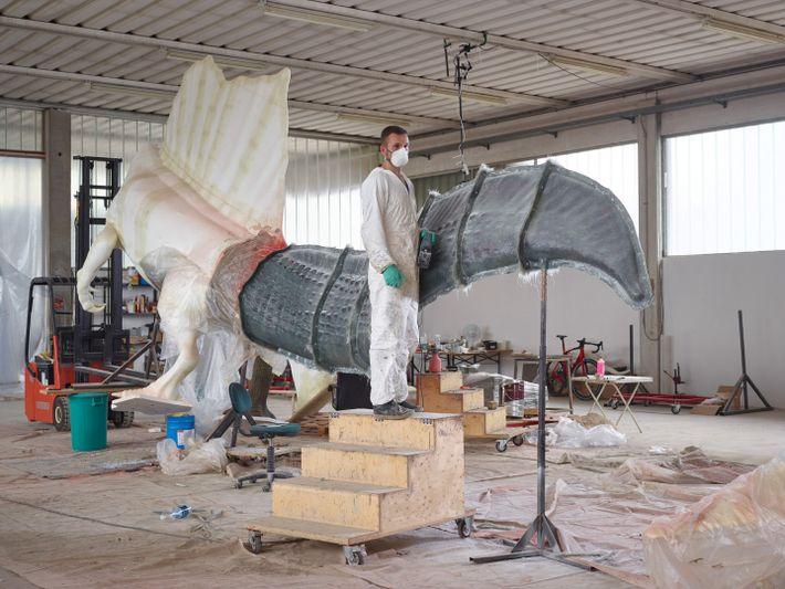 Com a descoberta de novos ossos, surgem novos modelos. Guzun Ion, da empresa DI.MA. Dino Makers, ...