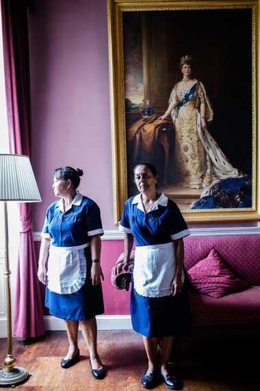 Gloria Yon, à esquerda, e Pamela Moyce, ambas nascidas em Santa Helena, trabalham na Casa da ...
