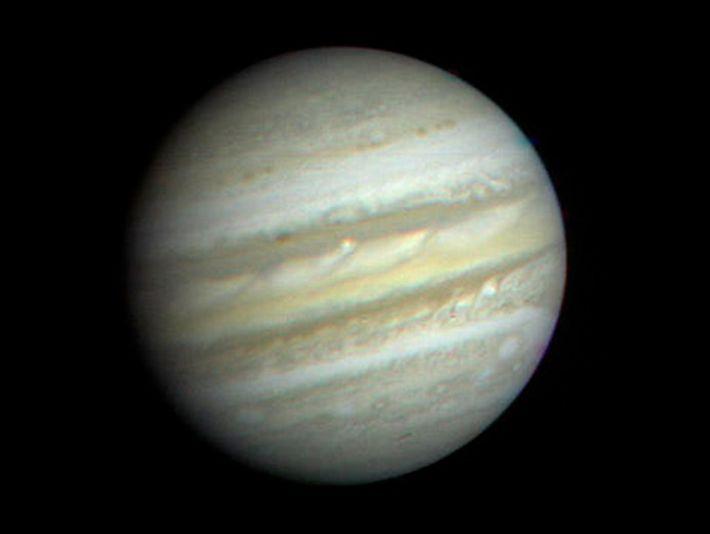 Lançadas em agosto e setembro de 1977, as naves espaciais Voyager da NASA abriram novos caminhos ...