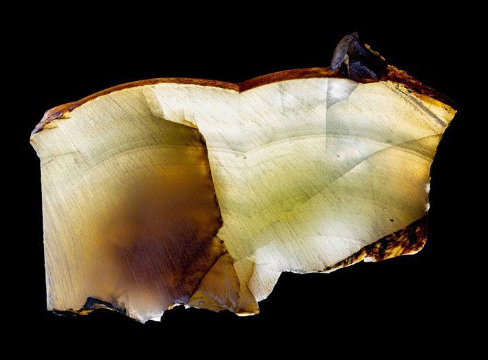 As camadas de cristal como esta, que se formaram há 200 mil anos sob a camada ...