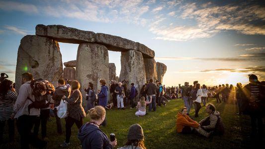 9 Formas de Celebrar o Solstício de Verão este Ano