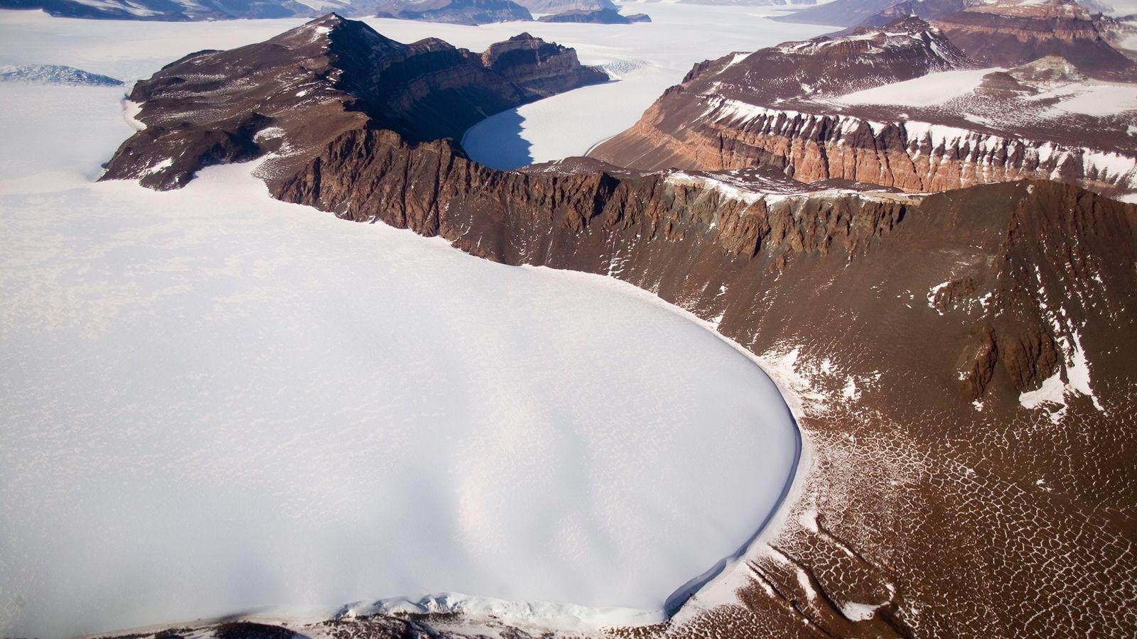 Um novo estudo conclui que a camada de gelo da Antártida Oriental entrou em colapso há ...